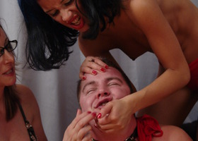 A femdom images set Image 9