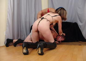 Nasty mistress ties her pretty slave Image 4