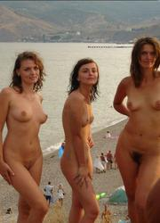 A nude babe on the La Joya Nude Image 1