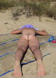 A hot cutie posing at theVera Playa Image 6