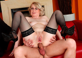 A mature couple in blowjob images Image 4