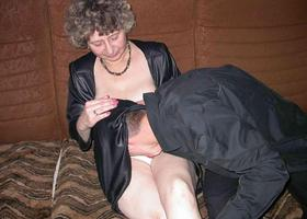 Milf amateur spread and blowjob gall Image 2