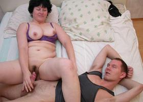 A large mom woman in this galery Image 8