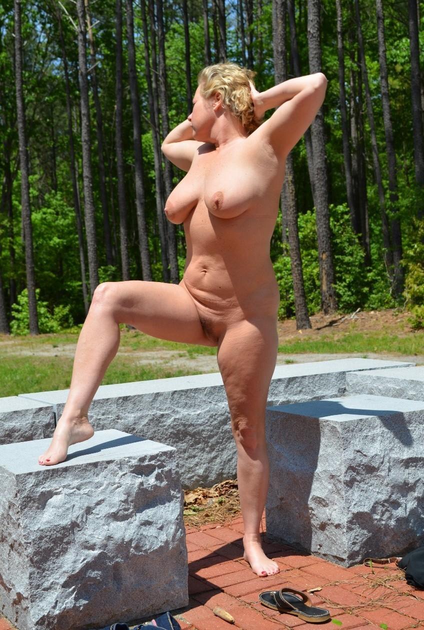 Outdoors sex