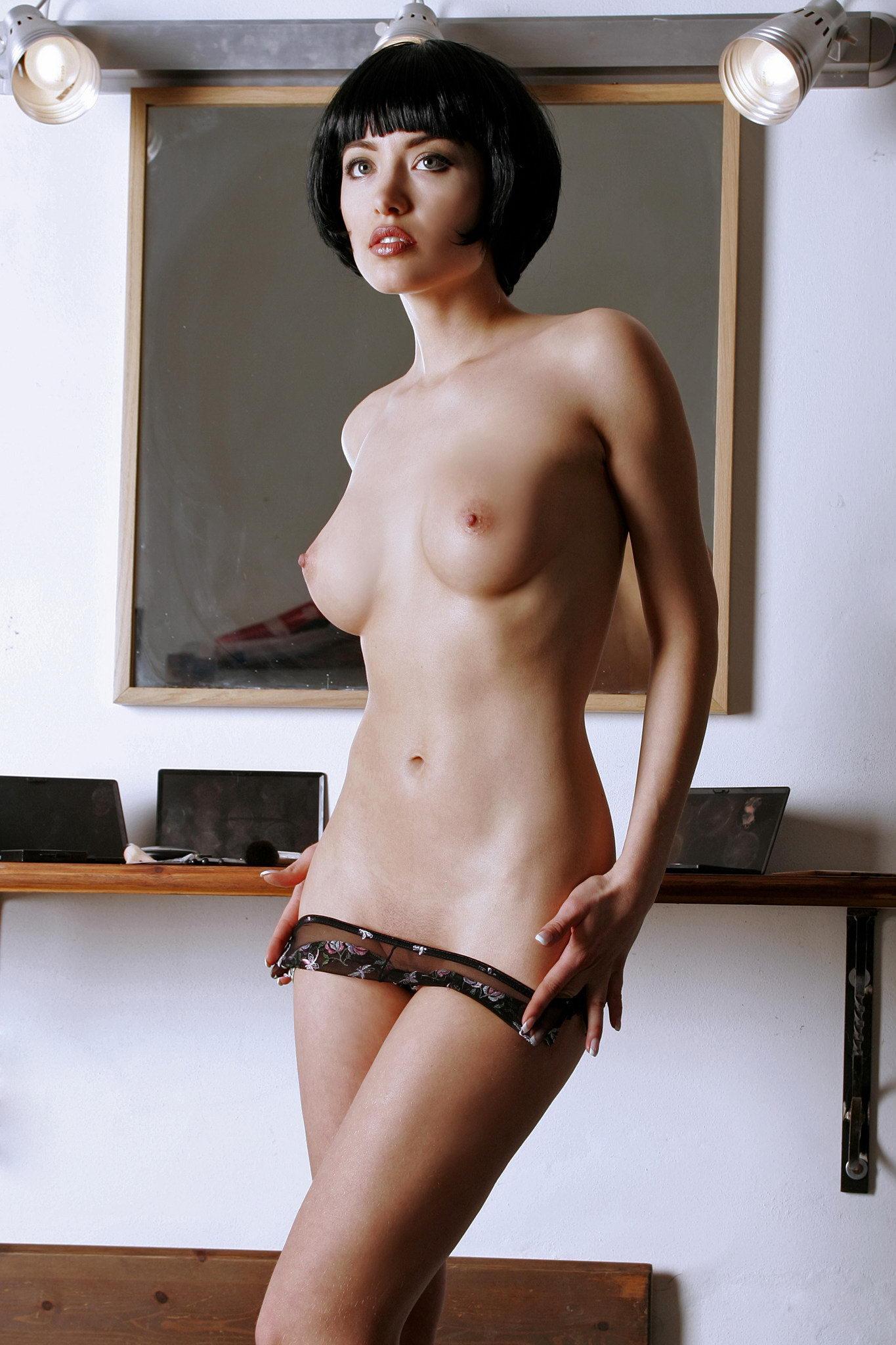 шарик голая девушка с короткими волосами фото ебут