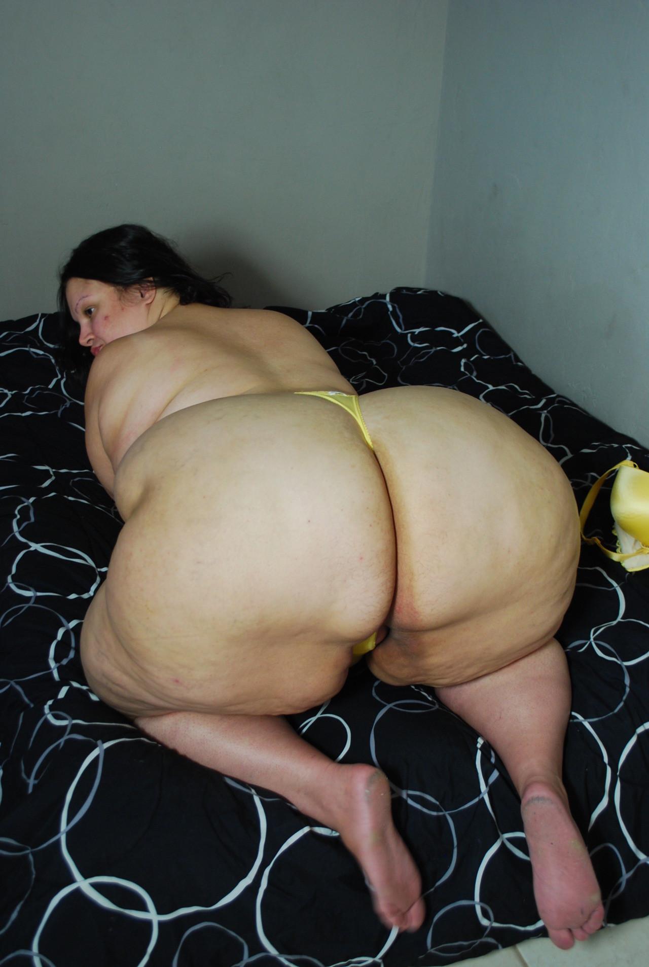 Chubby ass nude