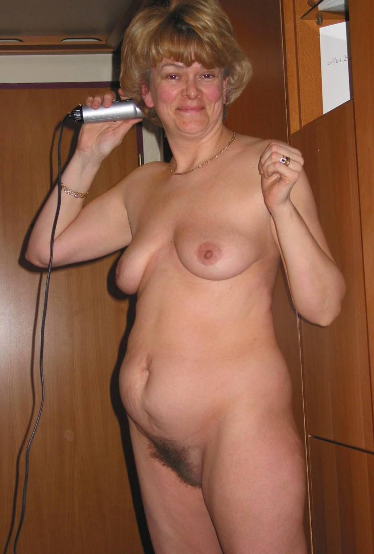 вырывалась в контакте голые пожилые жена