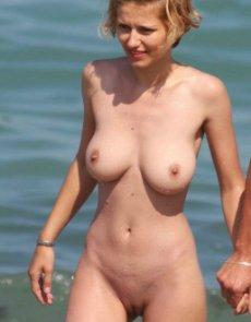 nudist girl on nude beach spy hidden camera