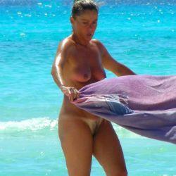 voyeur photos and videos at BEACH SPY EYE