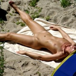 voyeur photos and videos at BEACH SPY EYE