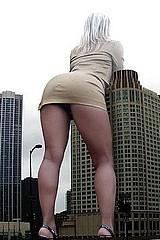 giant_women04.jpg