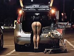 nude-shopping01.jpg