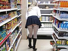 nude-shopping141.jpg