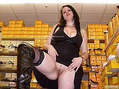nude-shopping139.jpg