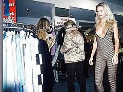 nude-shopping12.jpg