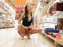 nude-shopping120.jpg