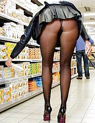 nude-shopping144.jpg