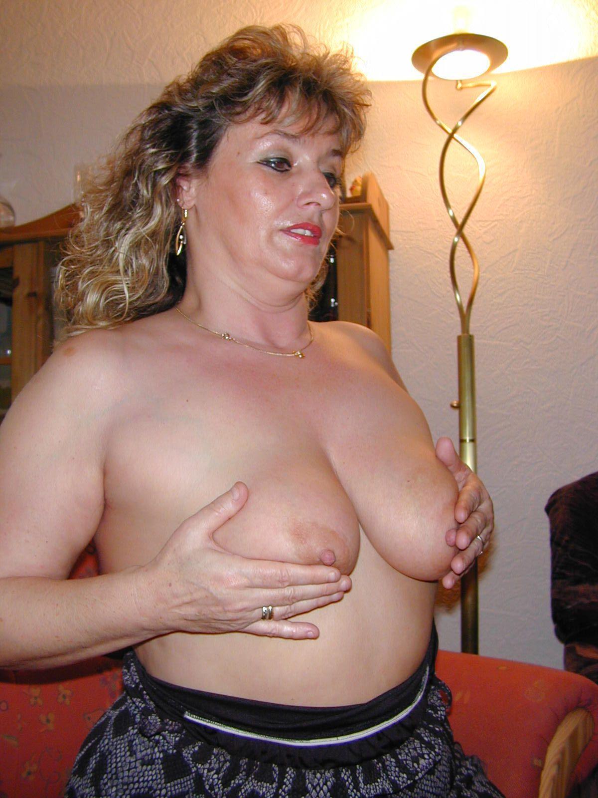 This mature milf gf porn galleries please