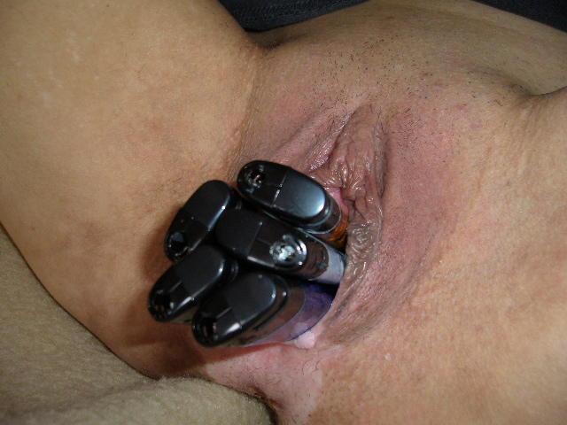 Телефоном в вагине с