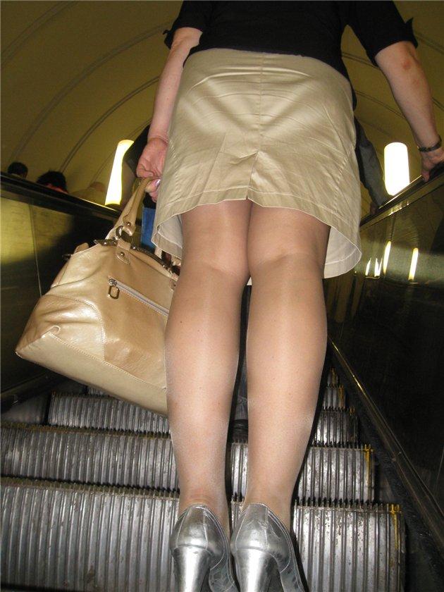 Ролики лезут под юбки в транспорте — photo 3