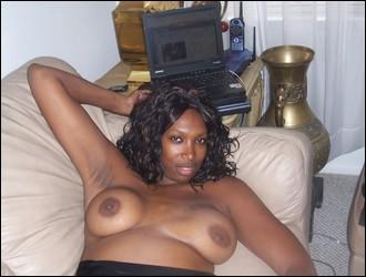 ebony_girlfriends_000554.jpg