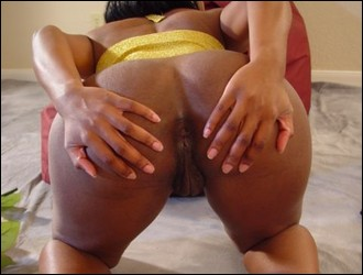 ebony_girlfriends_000785.jpg
