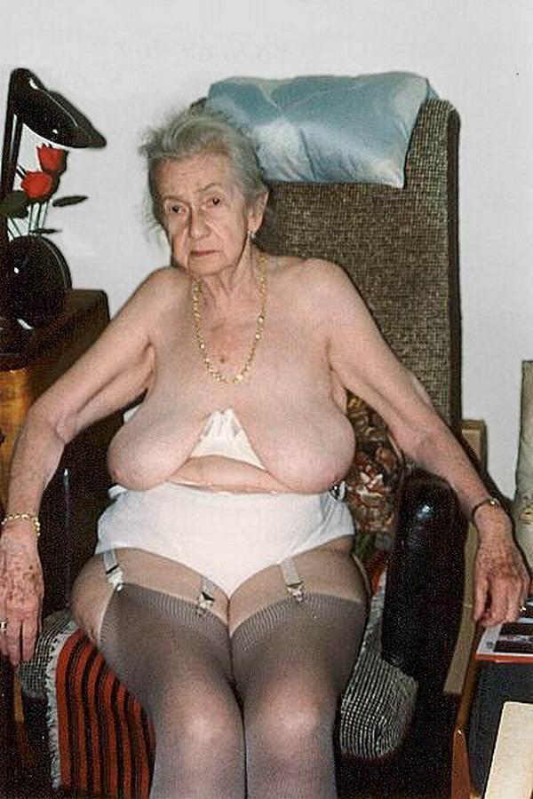 Развратные фото старые бабушки
