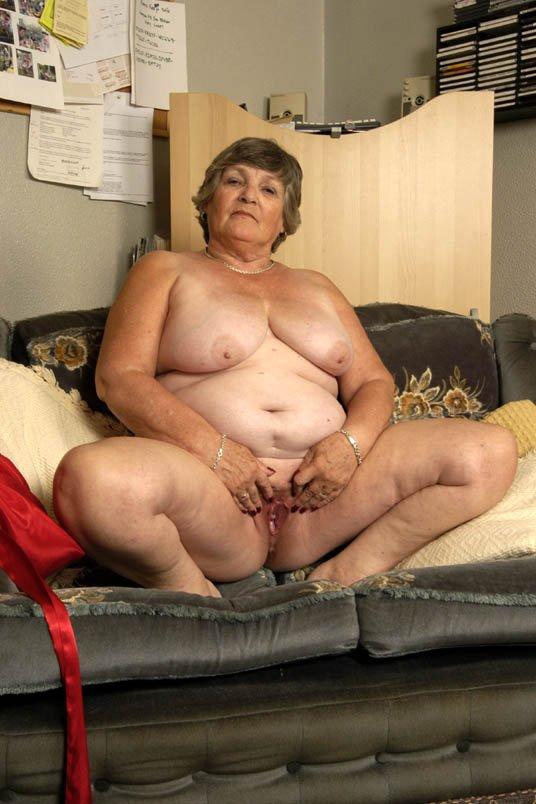 это пожилые женщины з найбильшымы в мире пожилые голыми цыцькамы вофисе, что