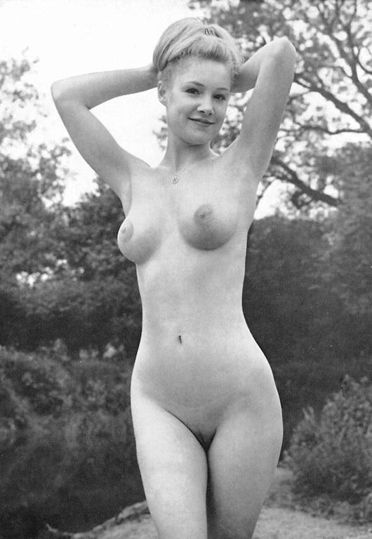 Nude naturalist photo