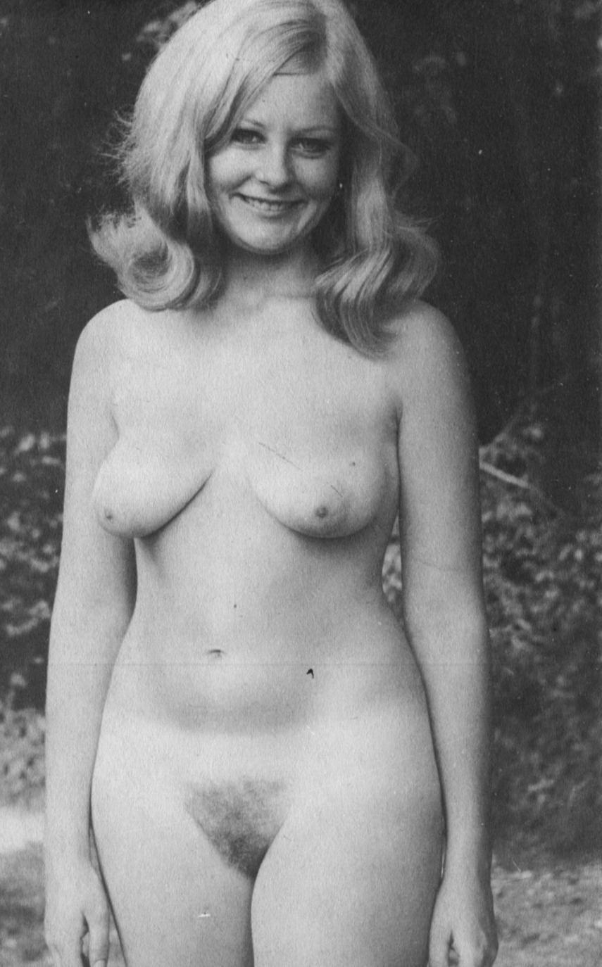 nude women ass pics up close