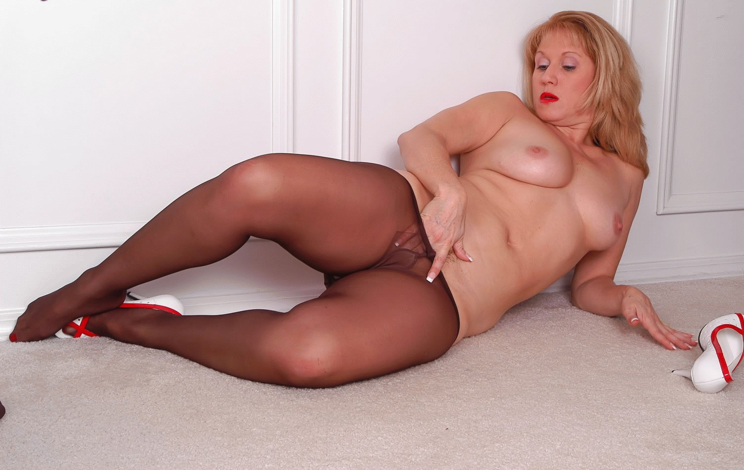 Nothing tell mature granny pornostar stocking theme simply