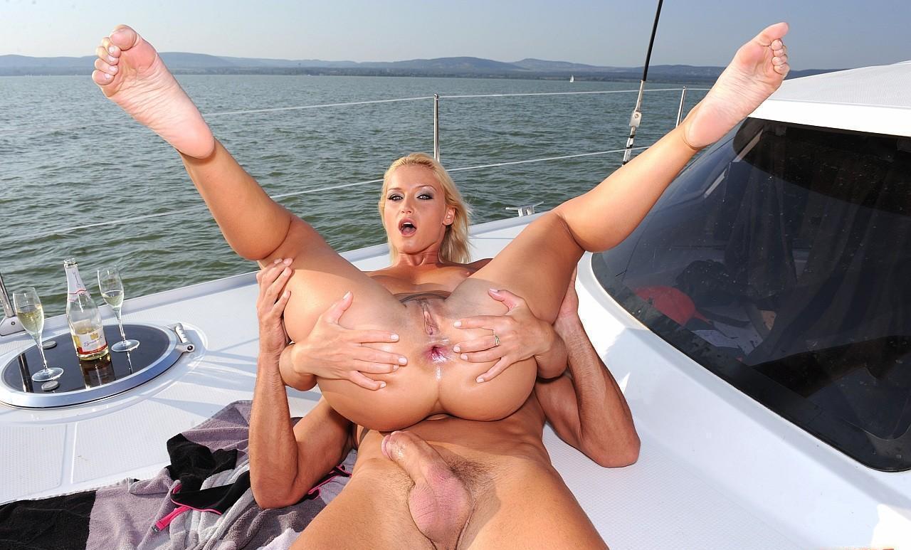 были секс видео попки на яхте самом