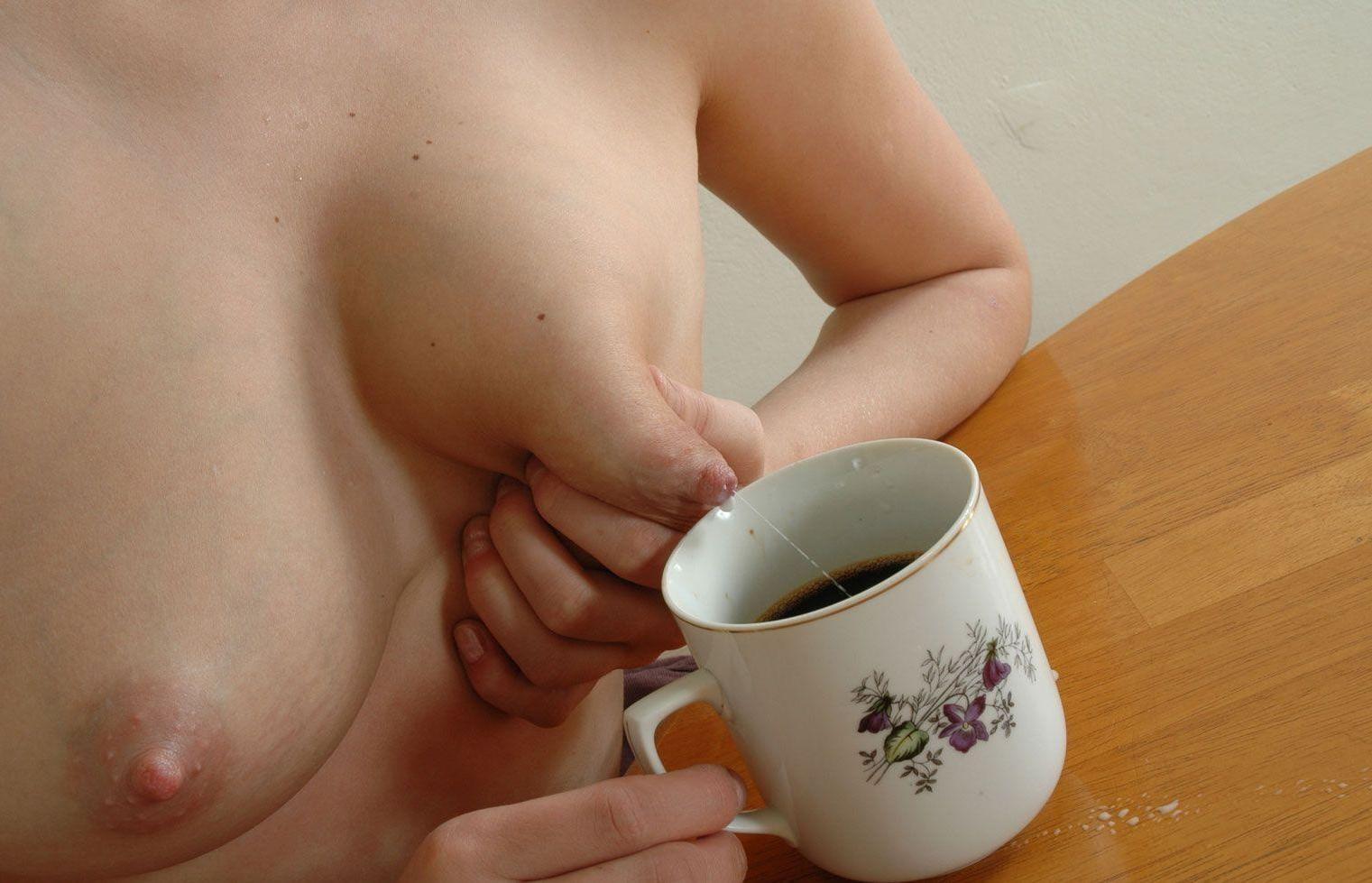 у беременных голых грудей течет молоко