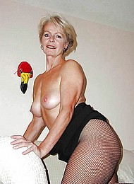 sexy-nude-grannies01.jpg