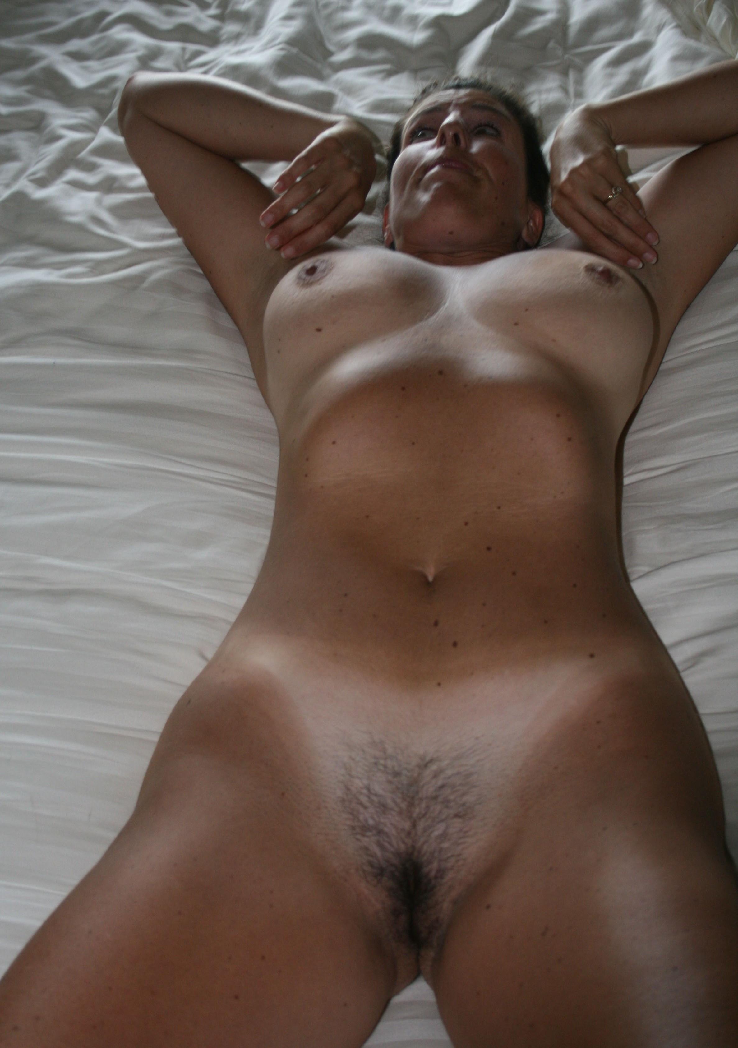 Tanning Bed Voyeurs