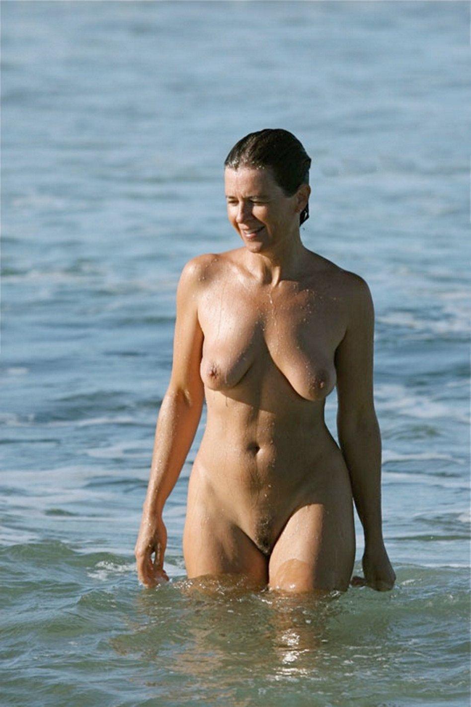 nude beach voyeur gallery
