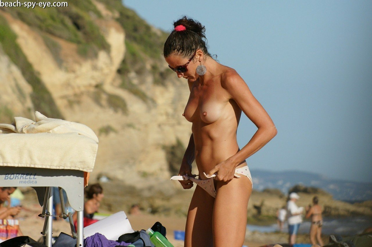 https://pbs-0.adult-empire.com/39/3926/beach_nude_women-6113/1-beach_nude_women.jpg