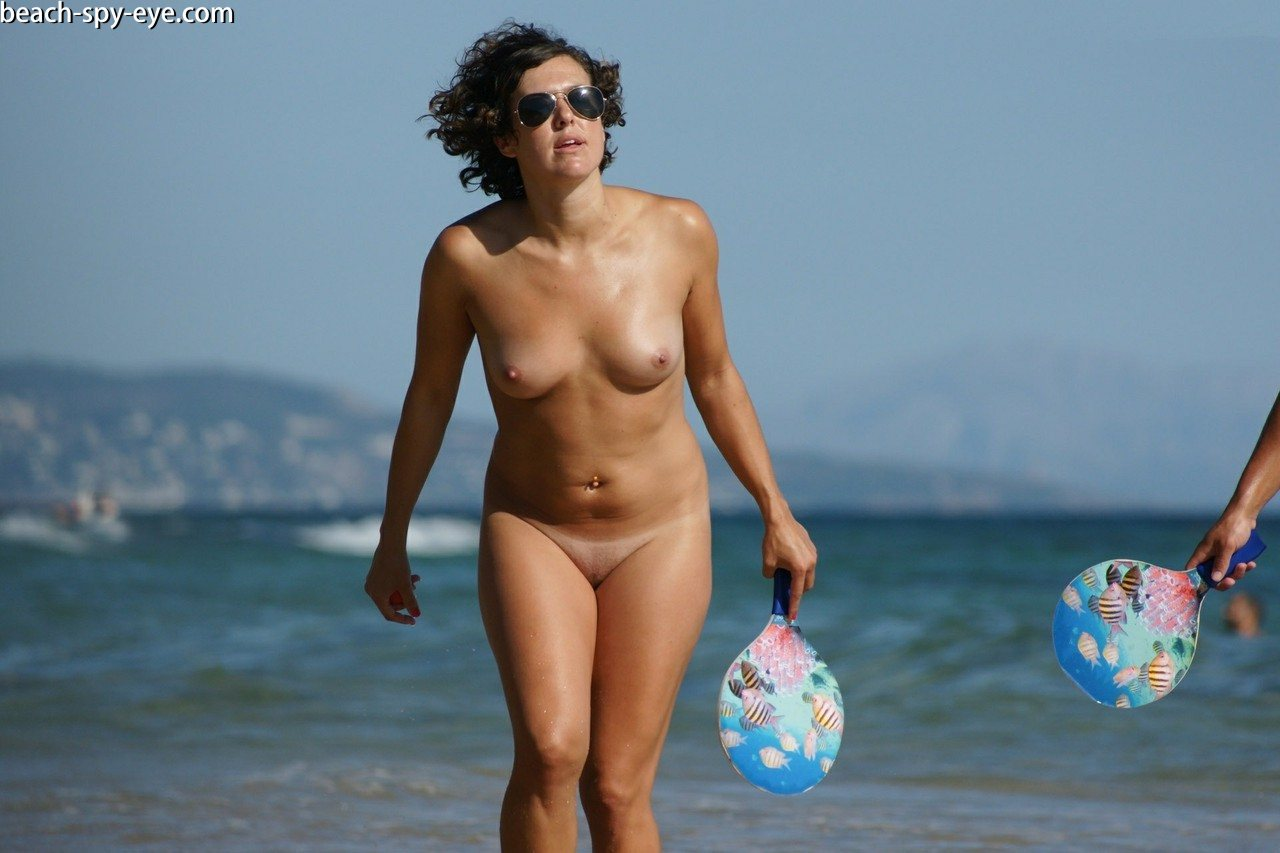 https://pbs-0.adult-empire.com/39/3926/beach_nude_women-6117/1-beach_nude_women.jpg