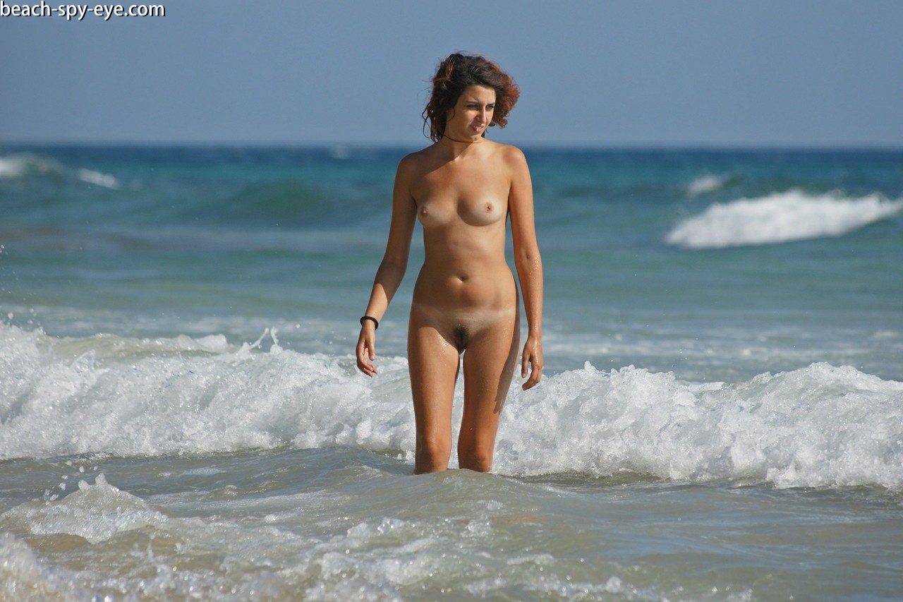 https://pbs-0.adult-empire.com/39/3926/beach_nude_women-6126/1-beach_nude_women.jpg