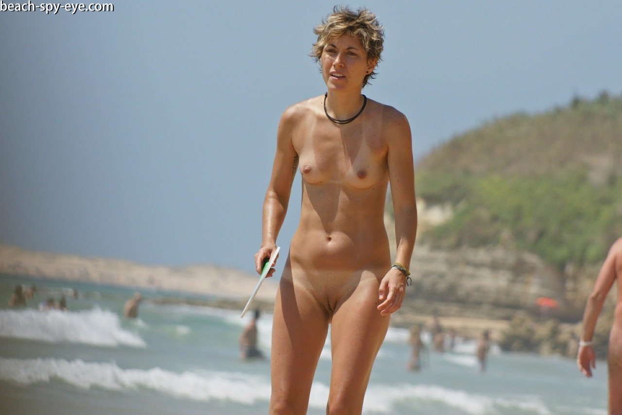 https://pbs-0.adult-empire.com/39/3926/beach_nude_women-6140/1-beach_nude_women.jpg