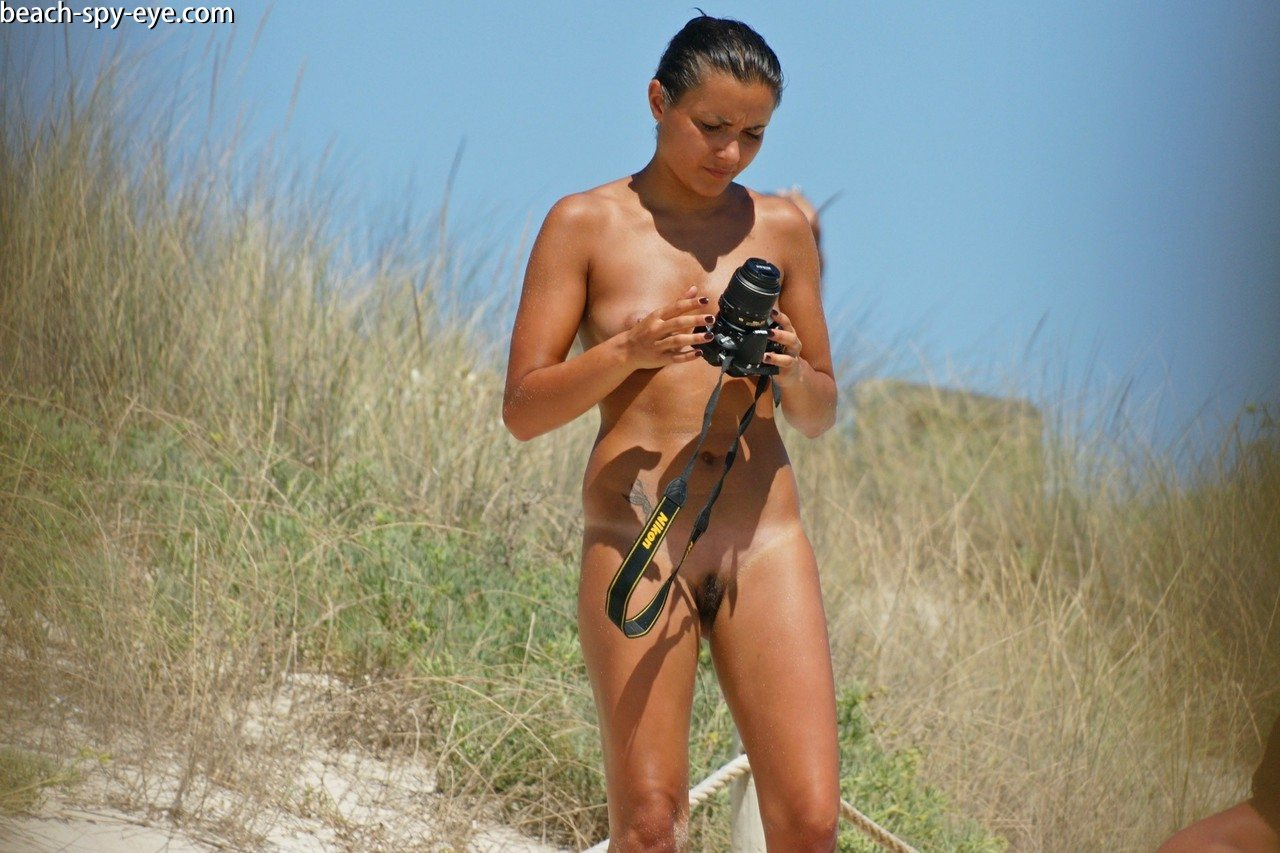 https://pbs-0.adult-empire.com/39/3926/beach_nude_women-6144/1-beach_nude_women.jpg