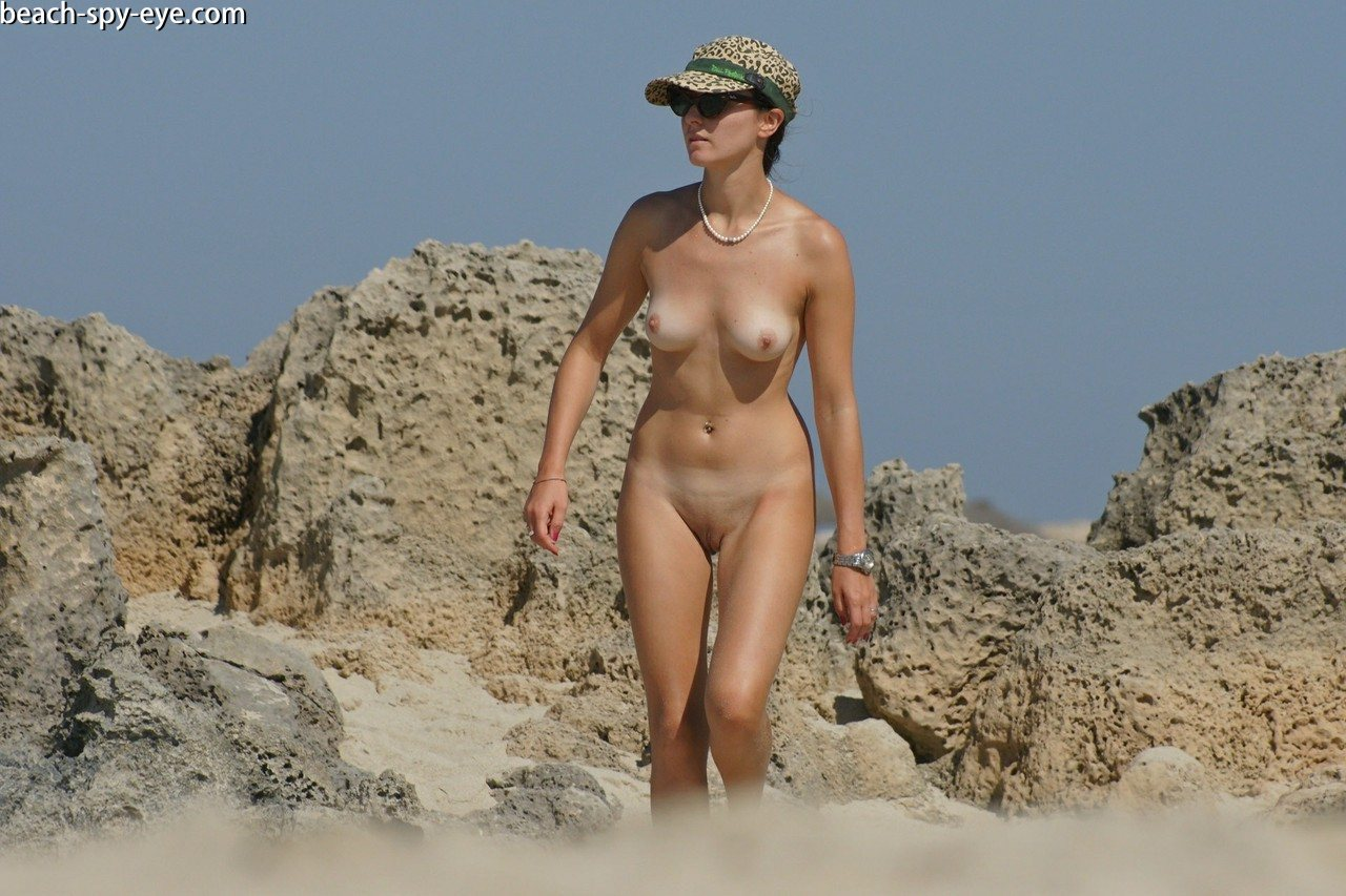 https://pbs-0.adult-empire.com/39/3926/beach_nude_women-6150/1-beach_nude_women.jpg