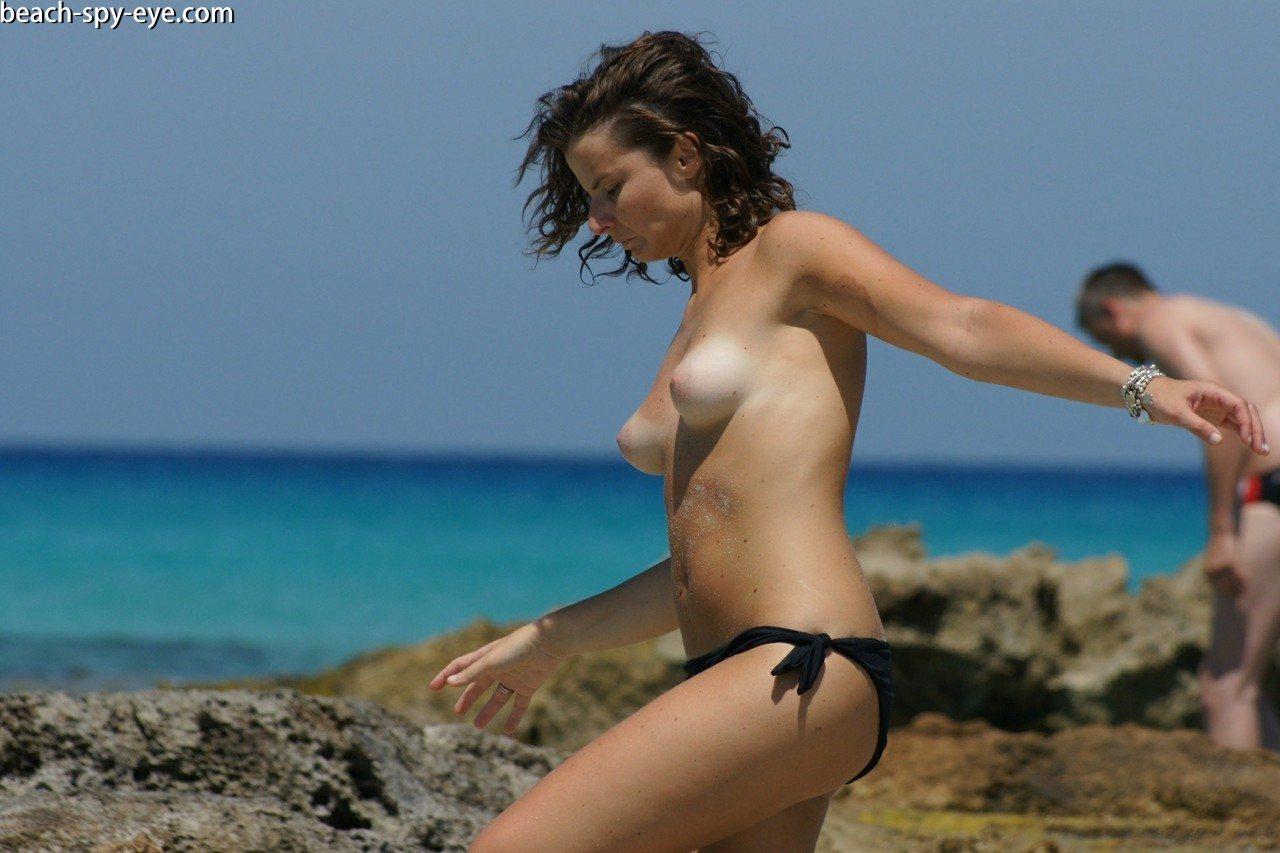https://pbs-0.adult-empire.com/39/3926/beach_nude_women-6152/1-beach_nude_women.jpg