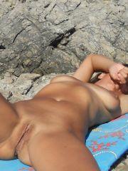 Beach Spy Eye's voyeur photos and videos